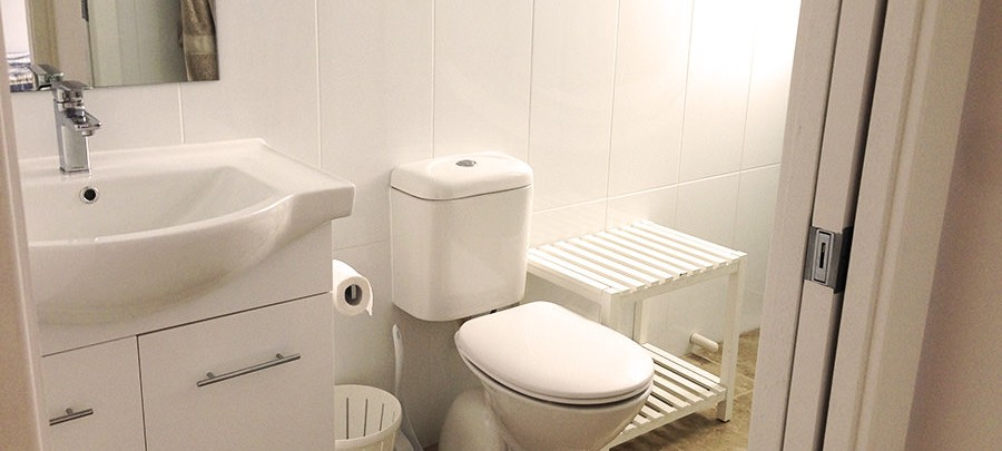 Bluewater Escape Unit Restroom